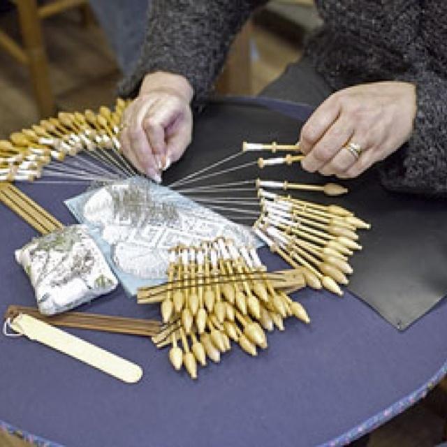 Belgian lace making Savoir Faire