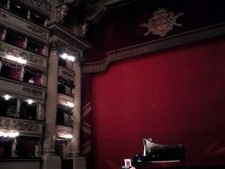 Visiting the Scala of Milan for a recital