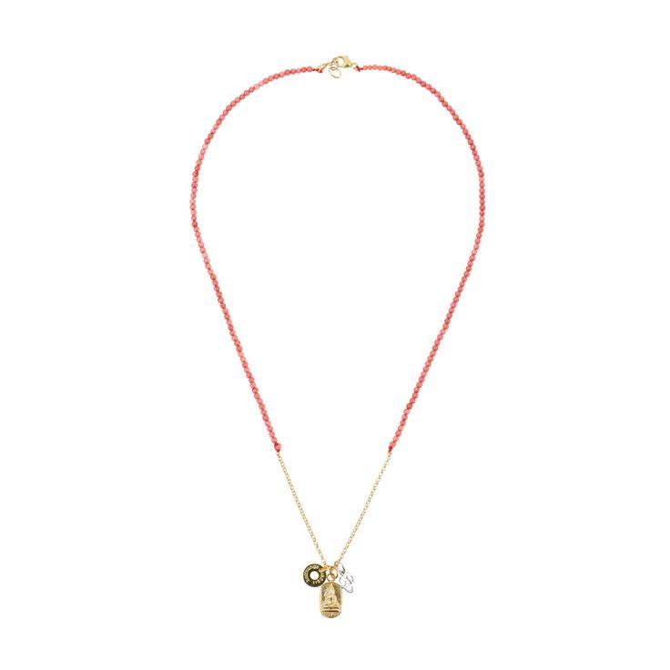 HOFFNUNGSTRÄGER HAMBURG - collection selected by Silvia Gattin  Zart, zarter - My Mantra.  Diese kurze Kette wirst du lieben, denn sie ist dein ganz persönliches Mantra, was du täglich mit dir trägst. Das hübsche Buddha-Amulett ist schon sehr alt - wir haben es in Silber gegossen & vergoldet. In seine Rückseite wurde eine thailändische Weisheit geprägt. Das kleine OM ist aus Sterlingsilber. Zusammen mit dem hoffnungsträger-Logo baumelt alles an einer feinen, vergoldeten Silberkette, welche…