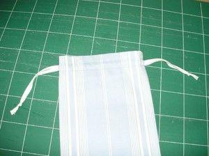 * Tuto pochon avec lien coulissant fait par une couture à la machine