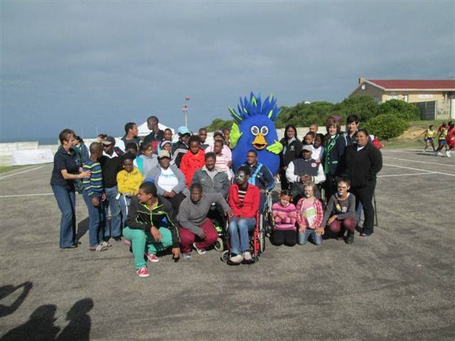 Perna Perna Mossel Bay celebrated Youth Day at a netball festival. There was a lucky draw, where we gave a prize. Everyone was delighted to see Fred First arrive on the local Fire Truck and the Town Mayor Mrs Ferreira was also present.