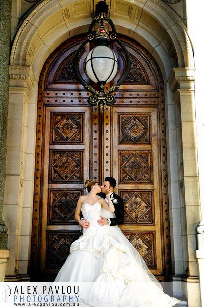 Wedding photographer melbourne - Parliament House Melbourne - Photography by: Con Tsioukis of Alex Pavlou Photography - www.alexpavlou.com.au