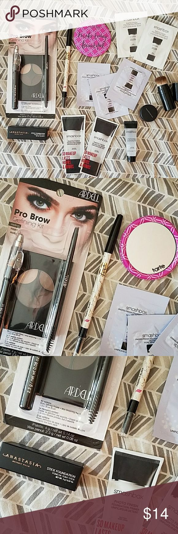 Lot of 22 new make up items smashbox etc Includes: Are all Pro Brow Defining Kit, Anastasia Stick Foundation in Fawn, 3 smashbox photofinish foundation primer samples(black & white), smashbox 0.25 photofinish foundation, bareMinerals queen tiffany eyeshadow, 3 smashbox photofinish foundation primer oil-free pore minimizing (blue square),  one black compact make up brush that folds up, and 2 smashbox photofinish foundation primer, and more! bareMinerals Makeup