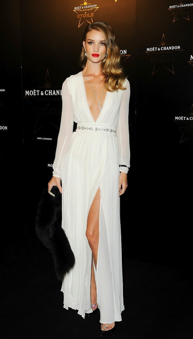 R.H.Rosie Huntington Whiteley, Fashion, Style, Ball Hair, Hollywood Glamour, Vintage Glamour, Dresses, Red Carpets, Rosie Huntingtonwhiteley