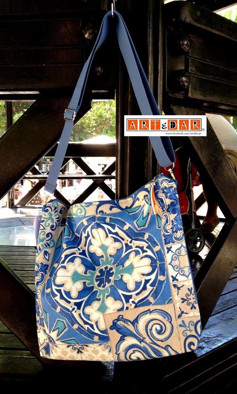 Malas - waterproof Bags Artidar (trademark) - Portugal www.facebook.com/artidar.pt (todos direitos reservados - all rights reserved) Para encomendar - To order: mmacompras@gmail.com #Artidar #Memóriasfelizes #Portugal #Portuguesetiles #Azulejos