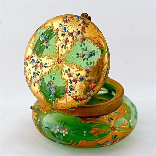 ANTIQUE BOHEMIAN MOSER GREEN ENAMELED ART GLASS HINGED LID JEWELRY TRINKET BOX | eBay