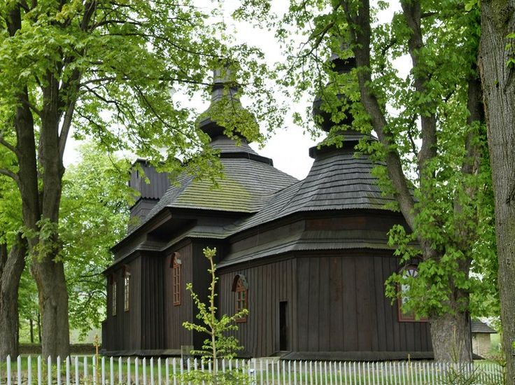 Kolejne polskie zabytki na Liście Światowego Dziedzictwa UNESCO! Wpisano drewniane cerkwie polskiego i ukraińskiego regionu Karpat - Podróże