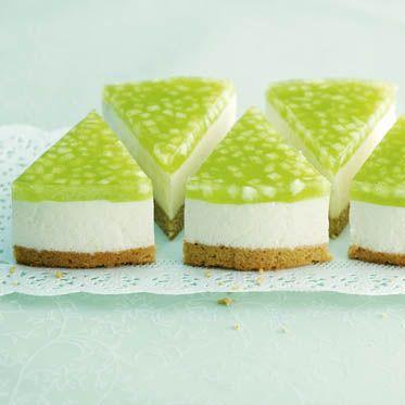 Torte von Crème fraîche und grünem Apfel