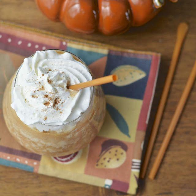 Virtually Homemade: Starbuck's Pumpkin Spice Frappuccino - the perfect copy cat recipe! #fallfest