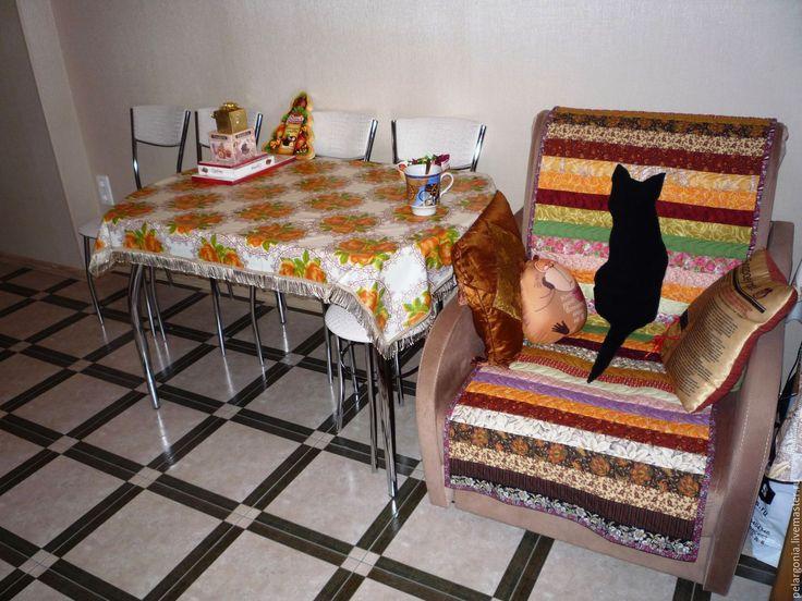 """Лоскутная мозаика. Мои работы. Накидка на кресло """"Черная кошка"""", пэчворк, лоскутное шитье, лоскутное покрывало."""