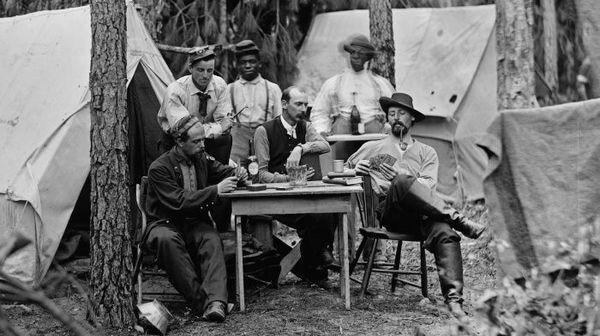 Офицеры американской армии играют в карты, 1864 год, штат Виргиния, США
