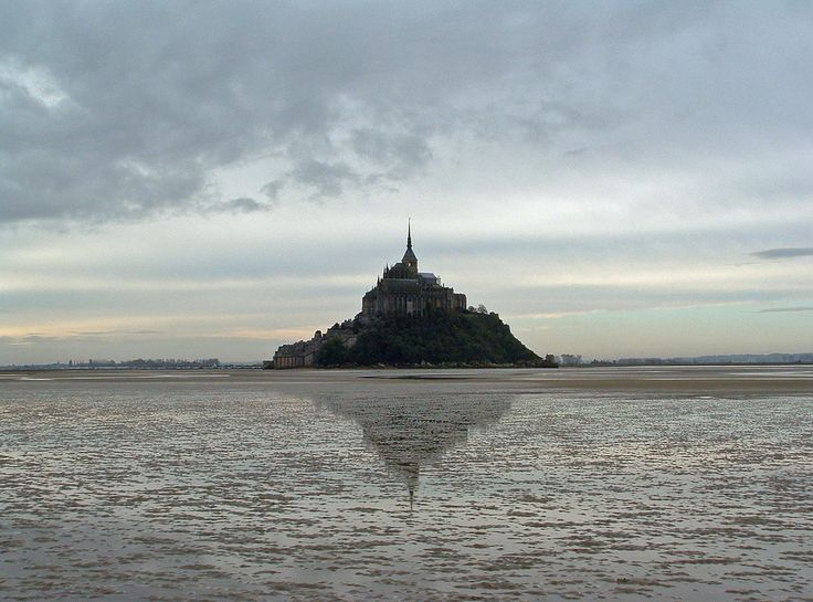 Mont Saint-Michel Photo by Lex Kravatski on Flickr | Copyright: Creative Commons