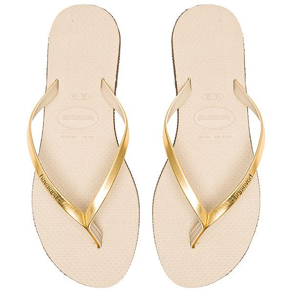 Havaianas You Metallic Flip Flop (165 RON) ❤ liked on Polyvore featuring shoes, sandals, flip flops, havaianas, havaianas shoes, havaianas sandals, metallic flip flops and rubber shoes