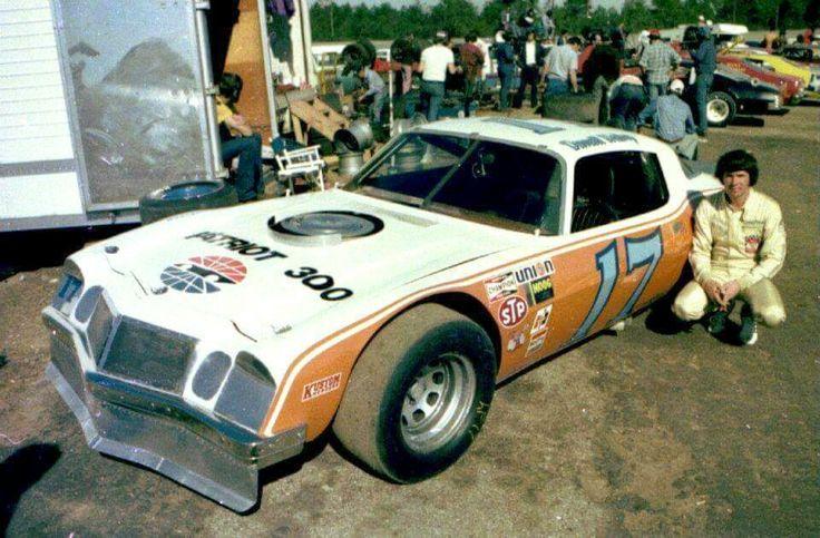 Darrell Waltrip Stock car racing, Race cars, Old race cars