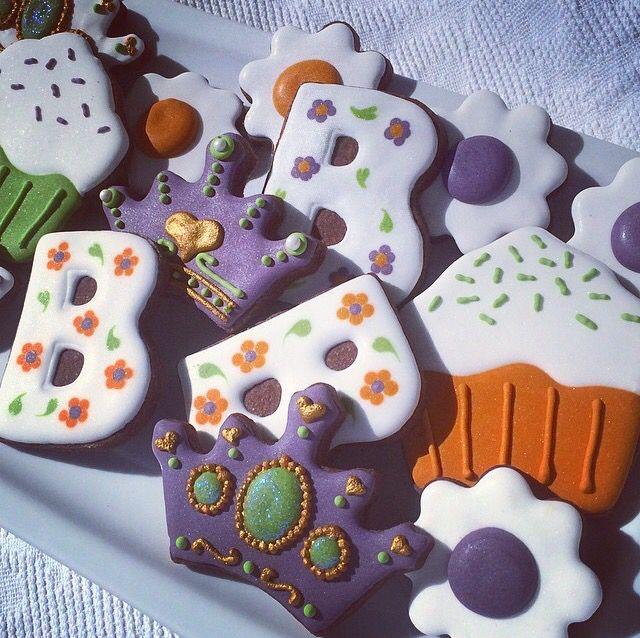Bec's birthday decorated cookies