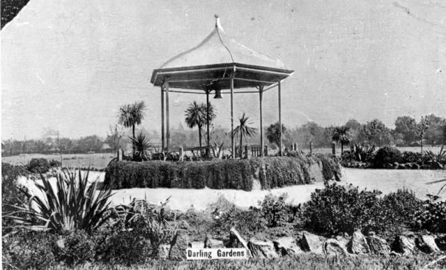 Postcard of the rotunda in the Darling Gardens