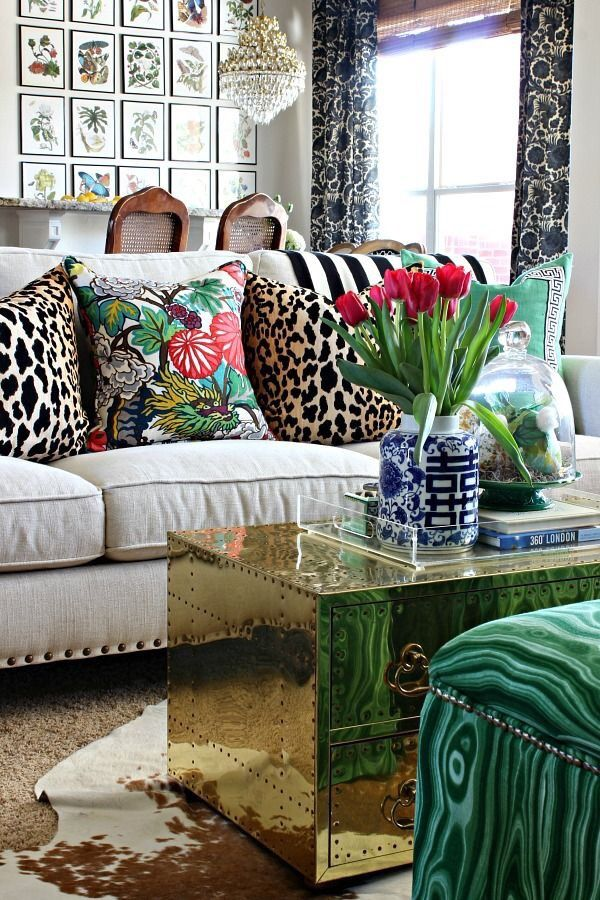 25 Best Ideas About Leopard Living Rooms On Pinterest