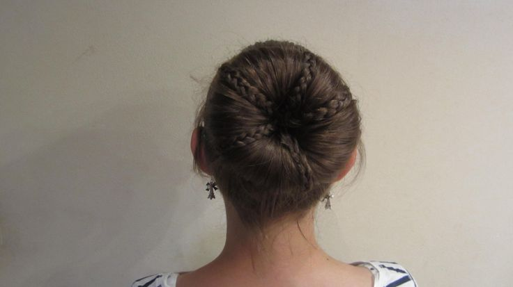 easy and beautiful hairstyle