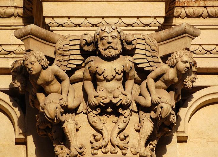Lecce, basilica di Santa Croce, particolare della facciata