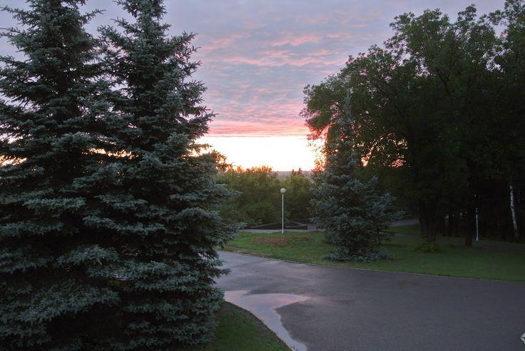 НАТУРАЛЬНОЕ ХОЗЯЙСТВО: Прекрасные закаты пылают над рекой...