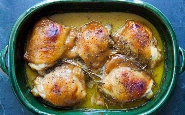 Pollo con senape, miele e rosmarino: scopri la ricetta! #cucina #ricette #pollo #senape #miele