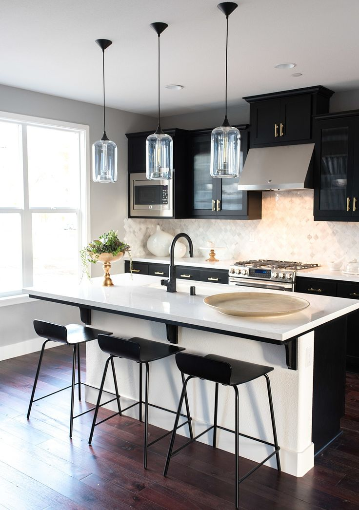 Mysterious and bold, black kitchen cabinets can make a major statement. But there are a few key tips to keep this design element looking fresh and modern instead of melancholy and cavelike. I sat down with the Dot & Bo design and product curation teams to bring you our top secrets for making this dramatic look work in your own kitchen.
