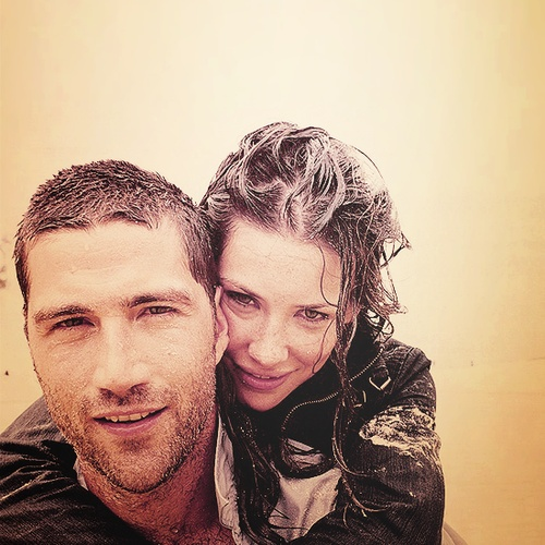 Matthew Fox and Evangeline Lilly.  // I miss you, LOST.