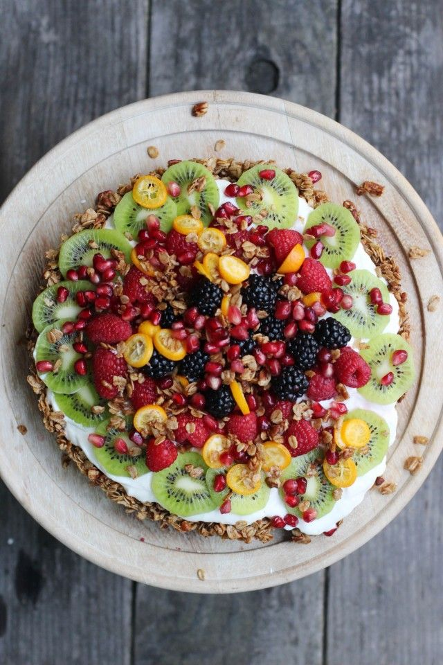 Granola-Crusted Yogurt Fruit Tart | HonestlyYUM