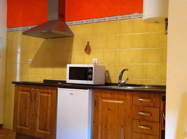 Cocina.  www.wellrenting.com