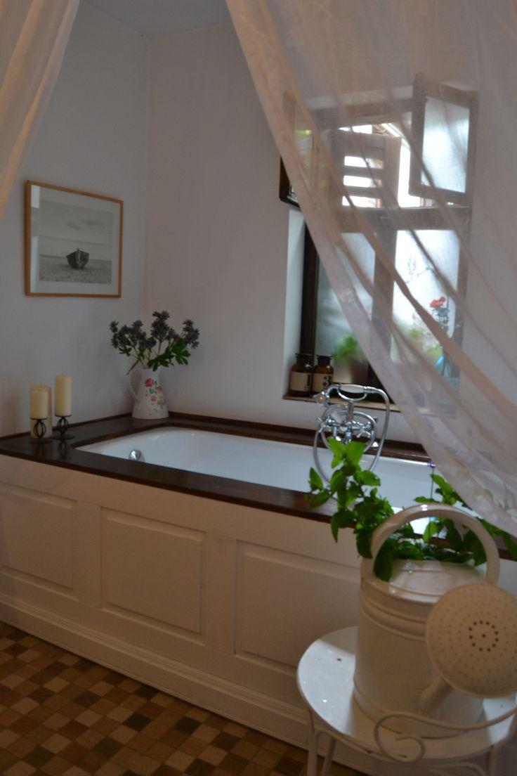 Have a relaxing soak @ Felinarul Residence
