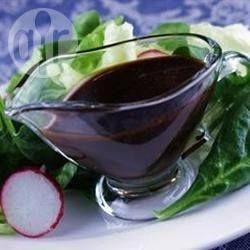 Foto da receita: Molho de vinagre balsâmico com mel
