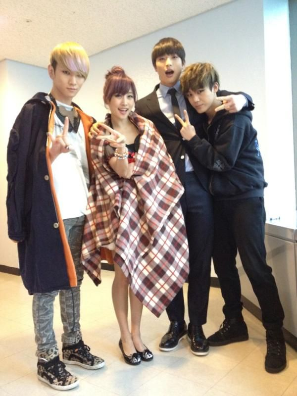 Jung Nicole (Kara) - three of my friends came along to offer me support! Key(Shinee), Jinwoon(2AM) Mir(Mblaq)~ 91 line