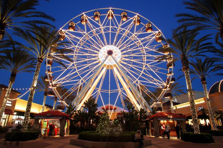 """Irvine Spectrum Ferris Wheel """"Lit Up"""" #Irvine #OC #Entertainment"""