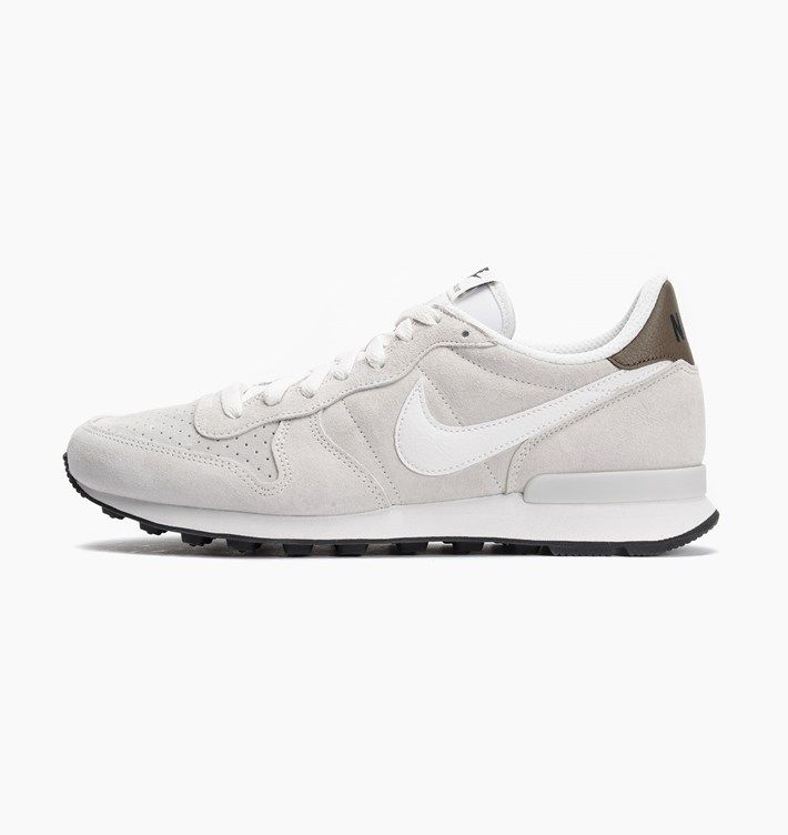 caliroots.com Internationalist Leather Nike 631755-101 New Yor ´82! 149651