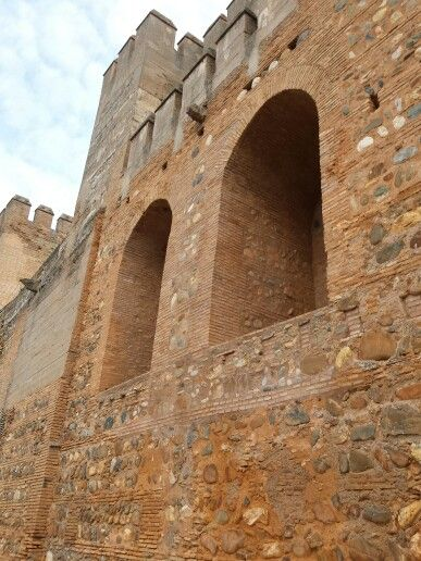 They dont build walls like this anymore Alhambra spain #wendybennettartist