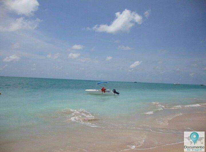 Famosa por suas belas praias, Maragogi em Alagoas, tem um típico clima tropical, com temperaturas quentes e alta umidade relativa durante todo o ano.| 🇺🇸 Famous for it's beautiful beaches, Maragogi in Alagoas/Brazil, it has a typical tropical climate, with hot temperatures and high relative humidity all throughout the year.