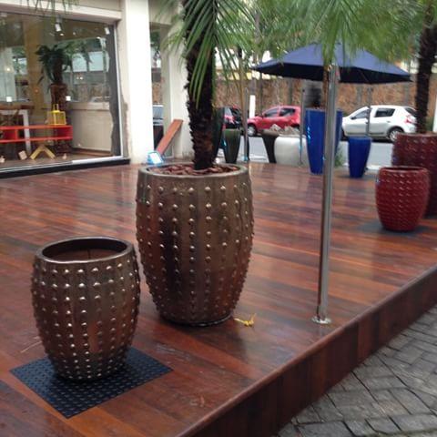 Um mais lido que o outro vasos vietnamitas aqui na Katel casa shopping - Moveis e Decoração - Av. Washington Luiz n 527 Santos Sp - tel (13) 3307-8020 www.katelcasa.com.br