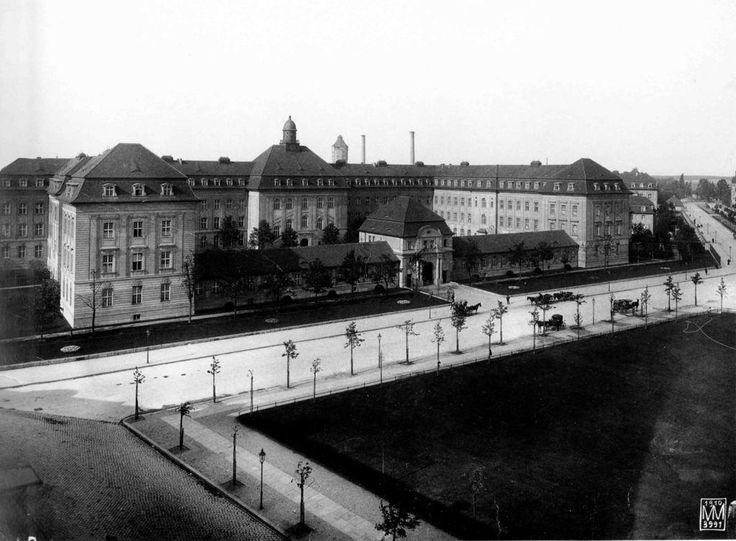Augustenburger Platz mit Rudolf-Virchow-Krankenhaus