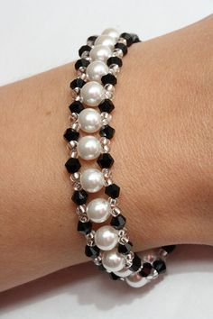 Crystal and pearl bracelet in black and white