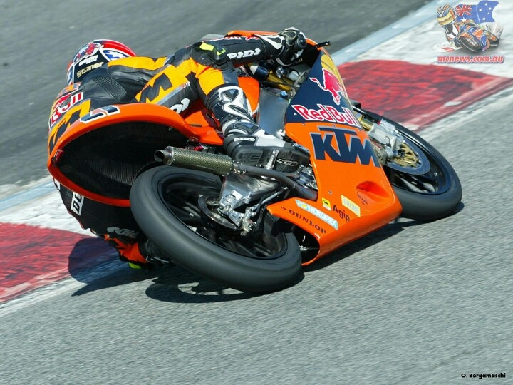 Casey Stoner 2004 KTM 125cc. See he could do it then too!