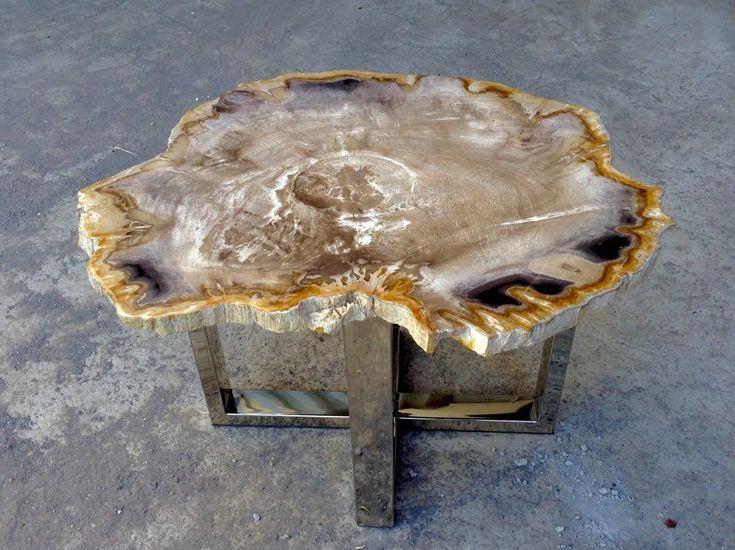 Журнальный столик из окаменелого дерева. Материал: окаменелое дерево, сталь Размеры: L: 51 x 39 x 36 см   R: 53 x 44 x 31 см. Petrified wood Coffee table, Indonesia