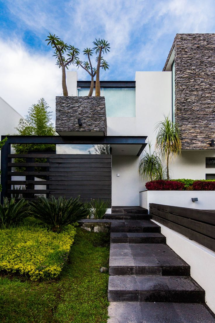fotos de casas de estilo moderno ingreso