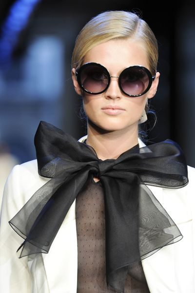 ✚: Bows Ties, Style, Black And White, Design Handbags, Fashion Design, Jason Wu, Fashion Quotes, Big Bows, Round Sunglasses