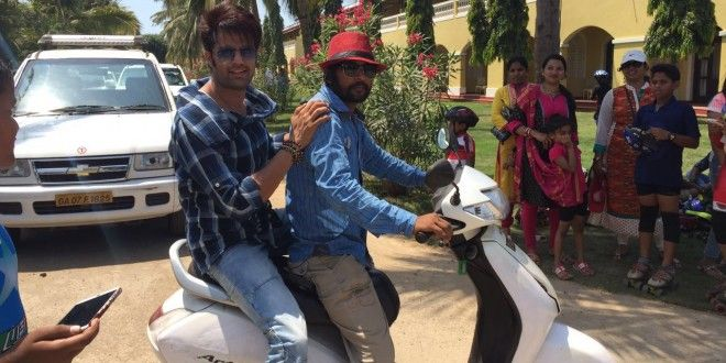 Manish Paul opts for a scooter ride to reach shooting location in Goa! | News Patrollings
