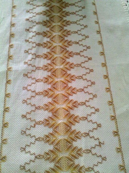 Vagonite - hardanger Looks like Huck weaving or Swedish weaving to me