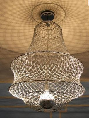 Paperclip chandelier. Wow.: Idea, 4 000 Paperclips, Paper Clips, Paperclip Chandelier, Chandeliers, 4000 Paperclips, Gary Ponzo, Light Fixture