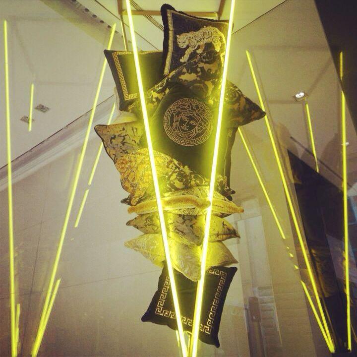 Installation VERSACE HOME Fuorisalone #versace #cuscini #seta #colors #boutique #medusa #icon #fuorisalone #iphone5 #io #scatto #filter #neon #social_network #pinterest #facebook #instagram #tumblr #twitter #instagram #foursquare #milandesignweek