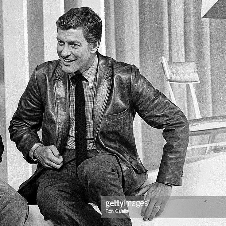 #Blastfromthepast at the #Emmys with Dick Van Dyke! Recipient of five #Emmyawards a #Tonyaward and a #Grammy Dick was inducted into the Television Hall of Fame in 1995.  Here's a #fav photo of the #tvstar actor at the 20th Annual #primetimeemmyawards back on May 19 1968 at the Americana Hotel in NYC  #classictv #photooftheday #bnw #actor #pictures #paparazzi #comedylegend #ron_galella