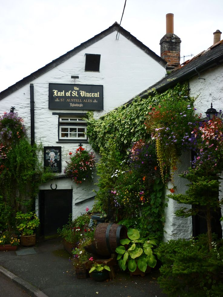 """Lovely little old pub """"The Earl of St Vincent"""" in Cornwall, England."""