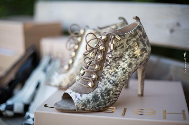 Helsar Shoes - Pumps - Pippa Middleton Wedding - Portugals most famous shoes - Peeptoes, Platform and checked high heels #helsar #walkinginhighheels #peeptoes